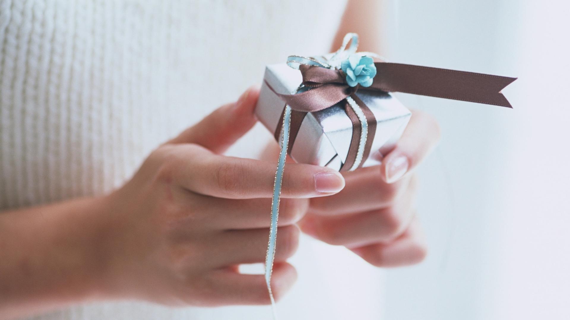 Рисунок своими руками в подарок